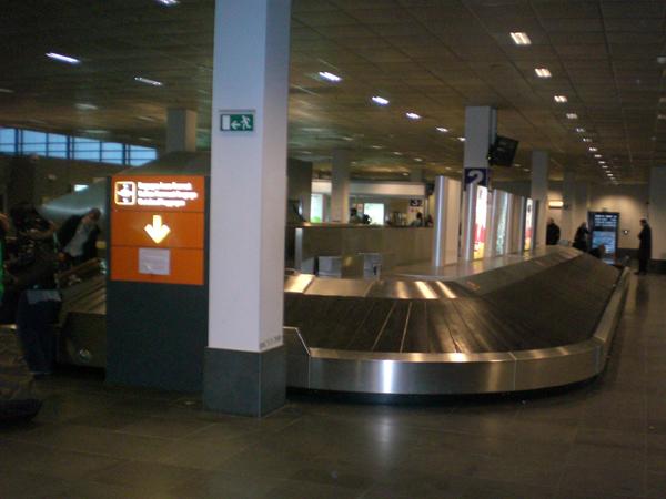 Recuperer ses bagages à la sortir de l avion - mes Souvenirs de Voyage - MSDV - blog voyage