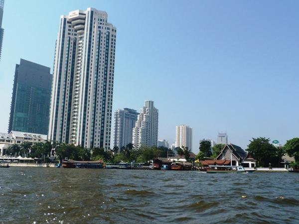 fleuve bangkok - quartier moderne - mes souvenirs de voyage