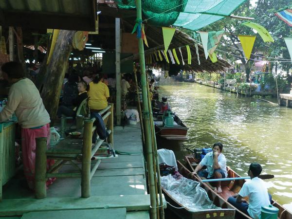 marché flottant bangkok - mes souvenirs de voyage