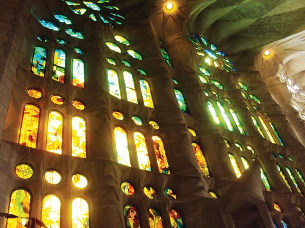 reflet vitraux sagrada familia
