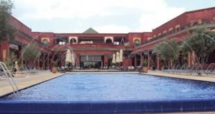 Hotel 5 etoiles Maroc piscine UNE