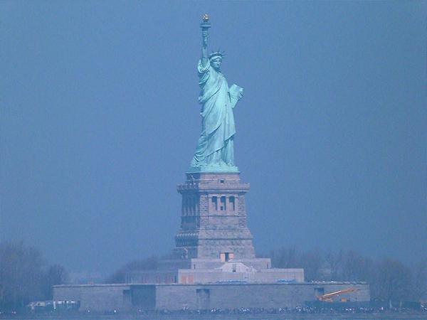 La Statue de la Liberté dans la baie de New York