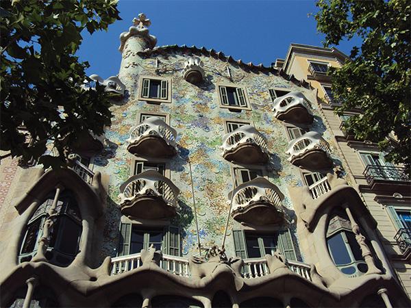 Casa Battlo extérieur Gaudi Visiter Barcelone en 5 jours Blog Voyage MSDV_0000_DSC00327
