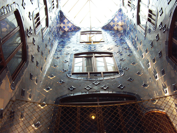 Casa Battlo puit de lumière Gaudi Visiter Barcelone en 5 jours Blog Voyage MSDV