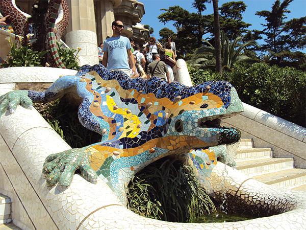 Lezard entree Parc Guell Gaudi Visiter Barcelone en 5 jours Blog Voyage MSDV