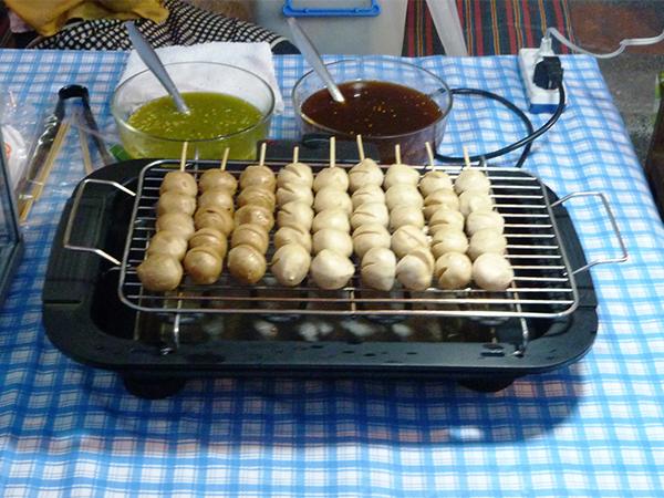 Manger en Thailande brochettes