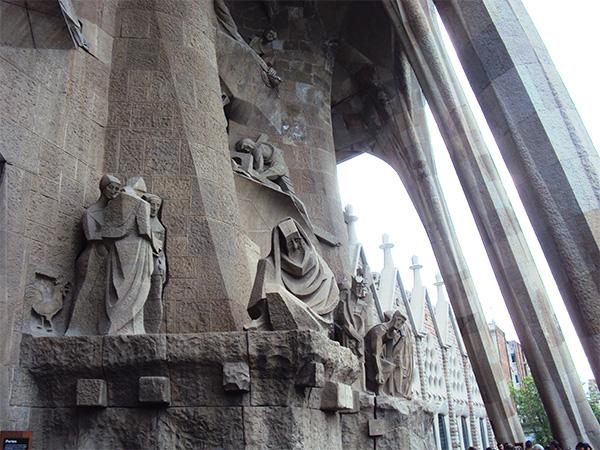 Statue Sagrada Familia Gaudi Visiter Barcelone en 5 jours Blog Voyage MSDV