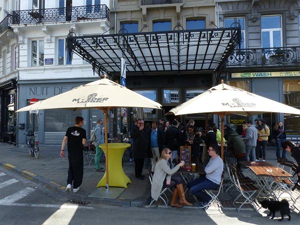 Terrasse du Moeder Lambic bières Bruxelles bonnes adresses à Bruxelles