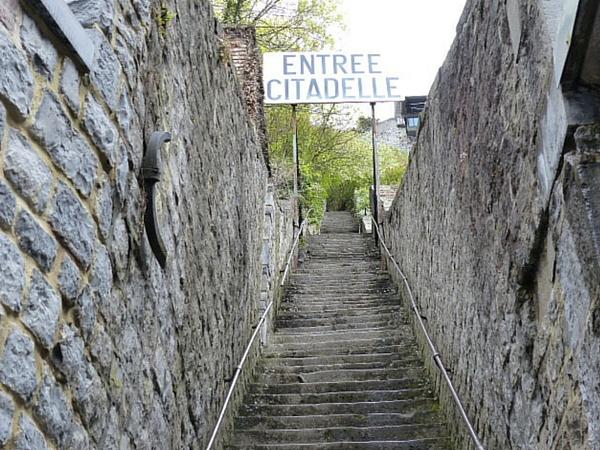 Entrée marches Citadelle Dinant