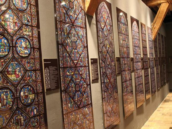 Vitraux de la cathedrale de Chartres Interieur - Découvrir Chartres