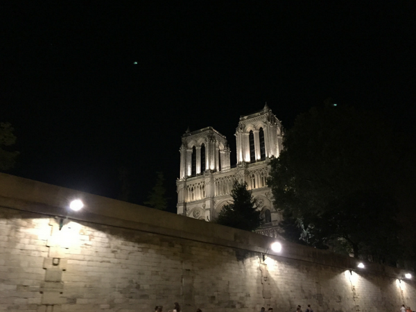 notre-dame-de-paris-by-nighrt