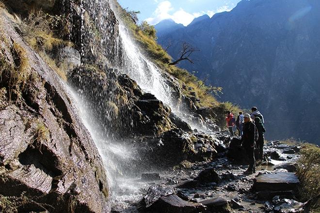 cascade Trek des Gorges du Saut du Tigre Yunnan Chine
