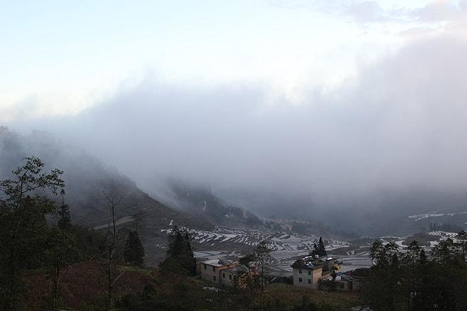 Brouillard rizieres Yuanyang Chine