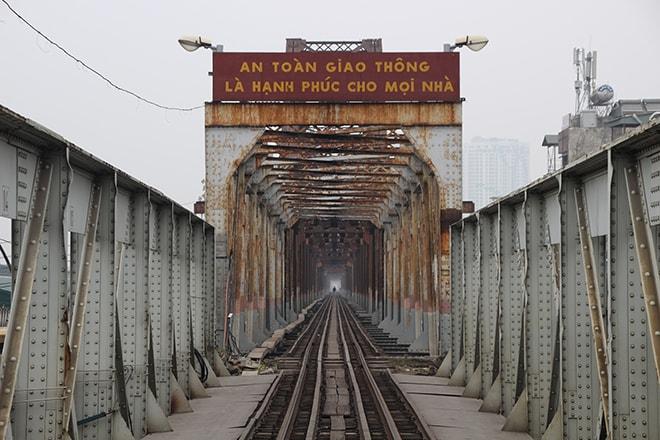 Pont architecture Hanoi Vietnam