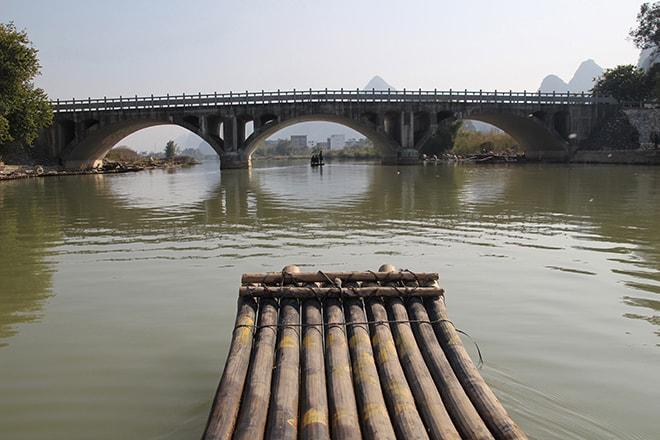 bamboo boat pont
