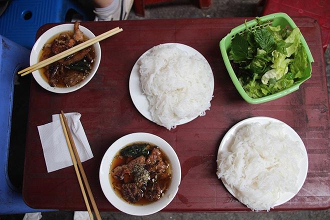 Bun Cha un regal manger à Hanoi