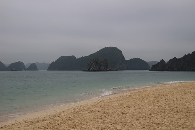 Monkey Island plage Cat Ba Baie d'Halong Vietnam