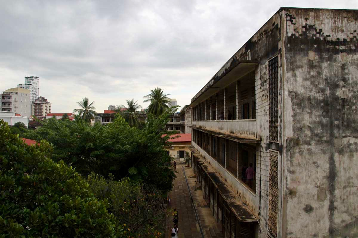 batiment lycee musee S21 Phnom Penh