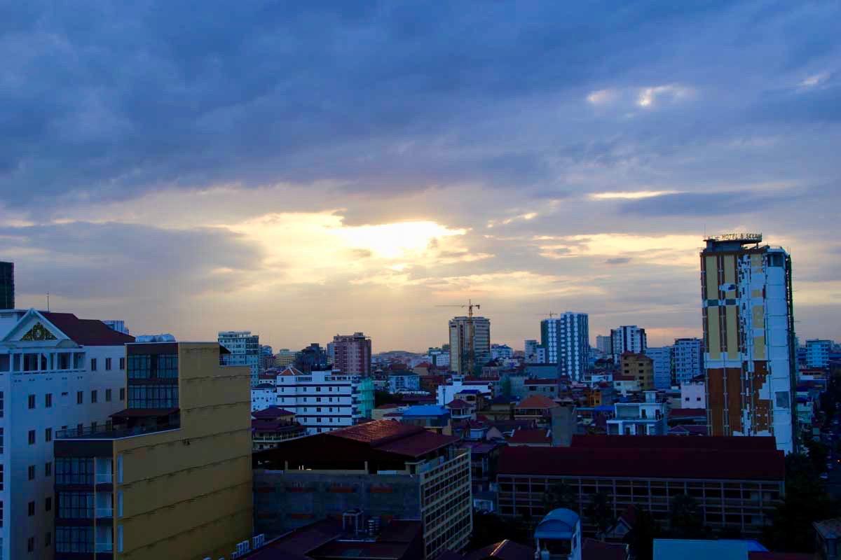 coucher soleil Phnom Penh Cambodge