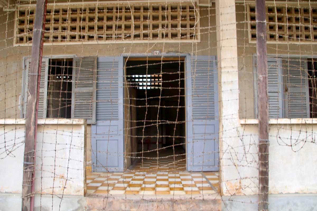 lycee grillage musee S21 Phnom Penh