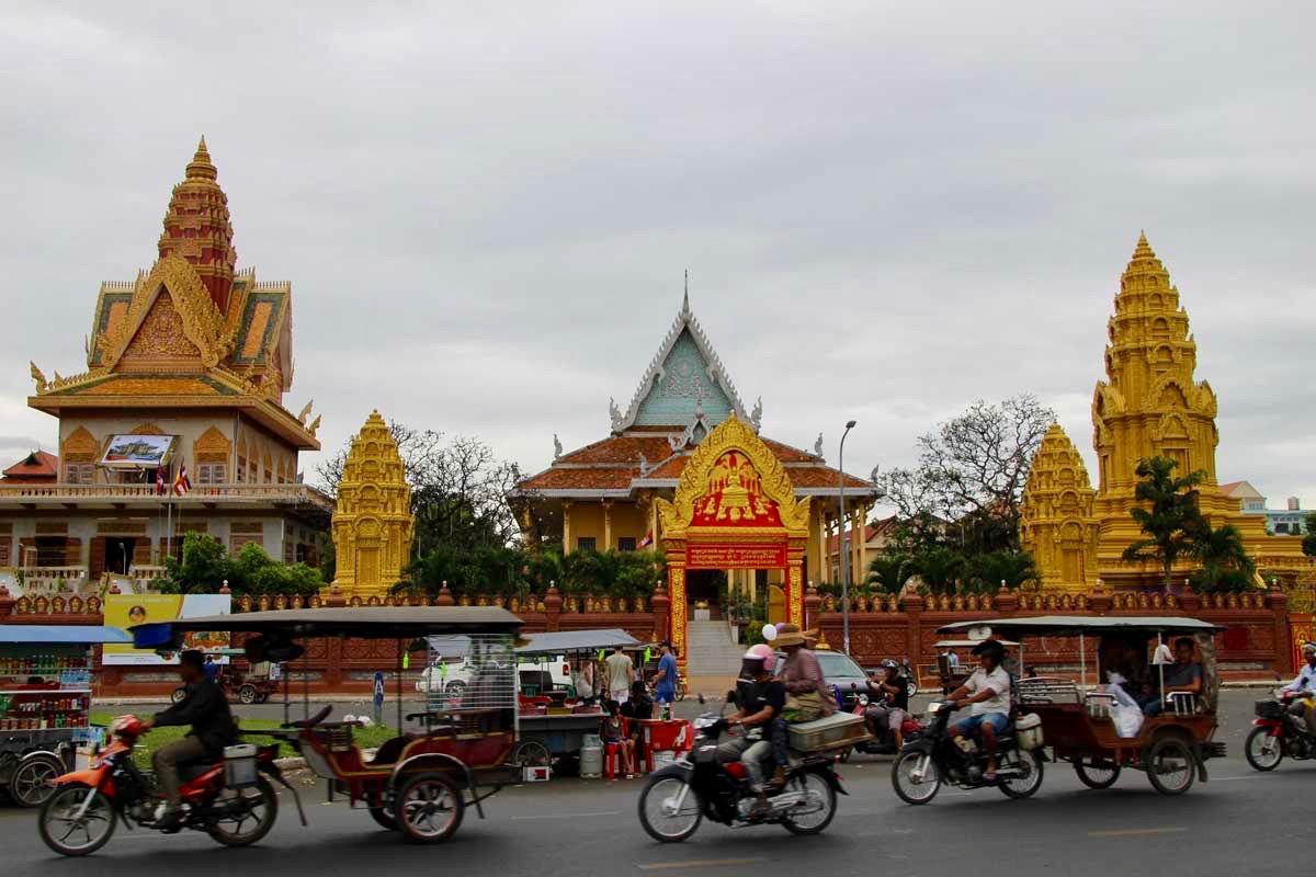 temples Phnom Penh Cambodge
