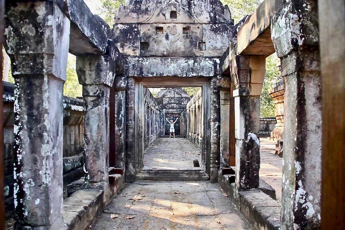 Elo couloir Temples Angkor Cambodge