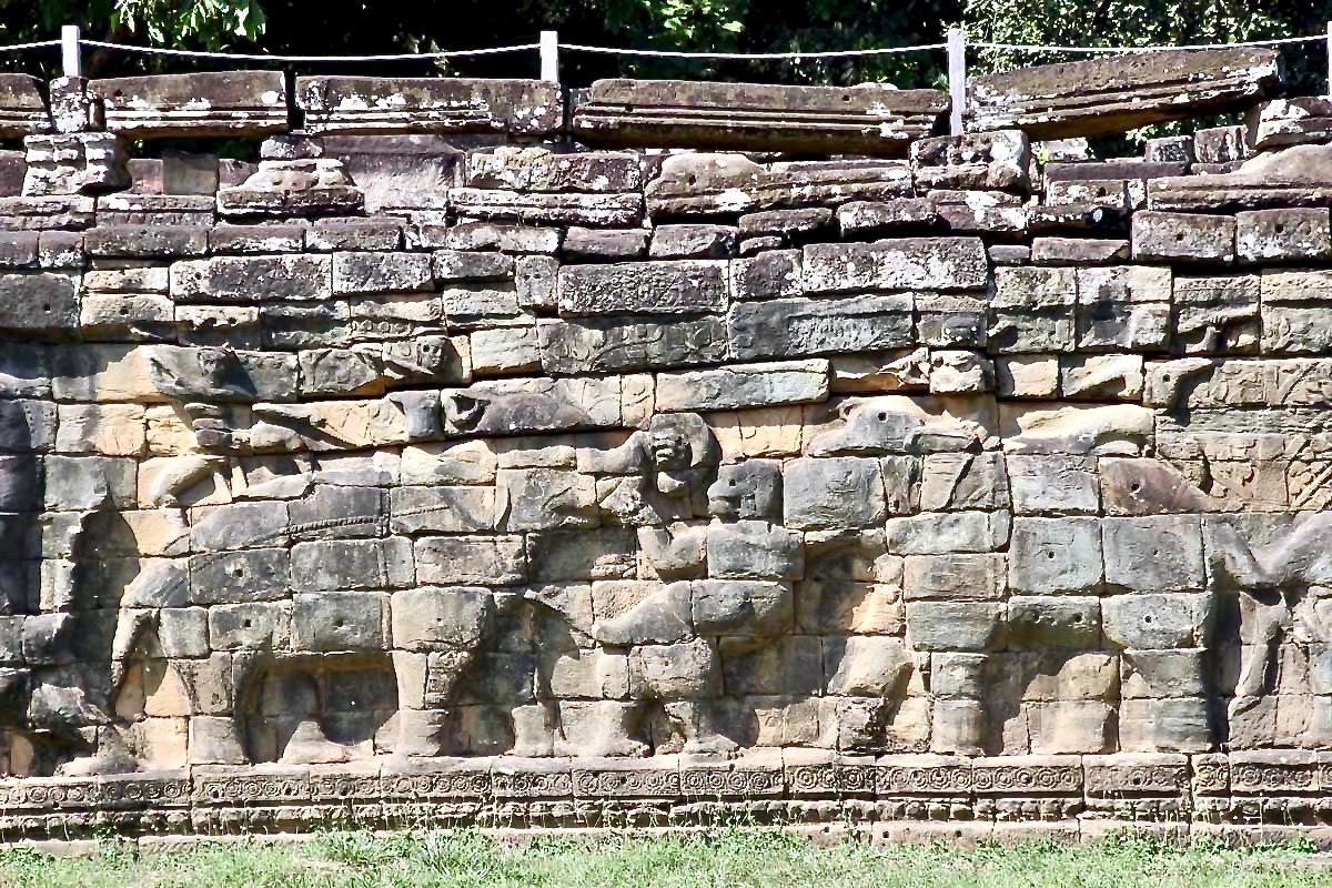 elephants Temples Angkor Cambodge
