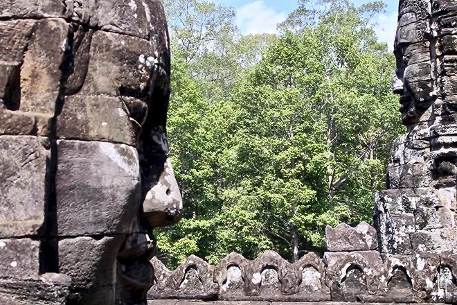 visage bayon temples Angkor Cambodge